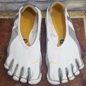 Vibram Five Fingers Jaya Shoes White 39 (7.5 - 8)